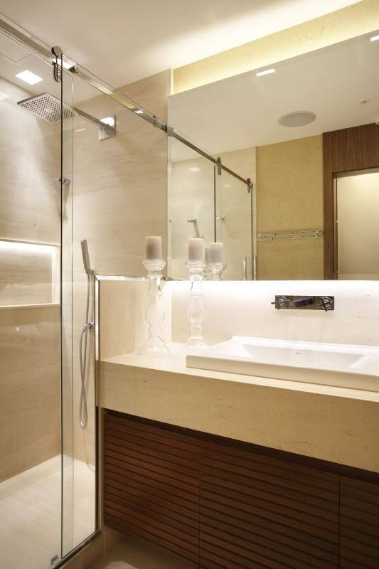 Arquitetura de Banheiros Brancos