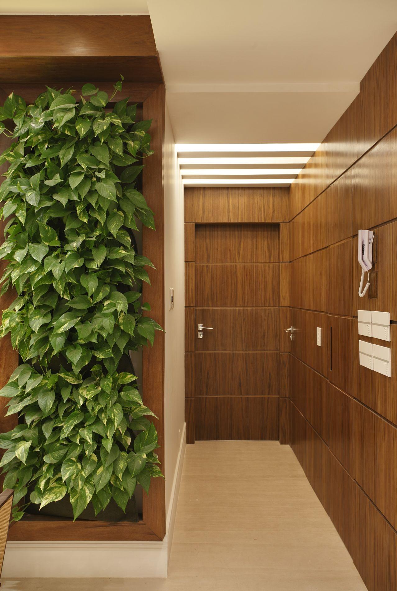 Projeto de Decoração de Interiores em Corredores Apartamento no  #6E421E 1278 1900