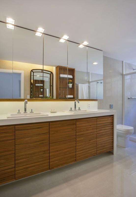 Projetos de Arquitetura e Decoração de Banheiros com Espelhos Grandes