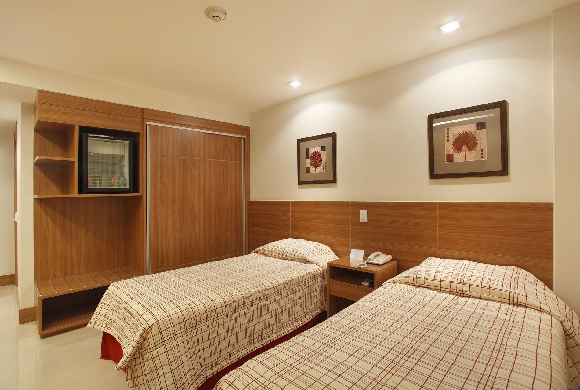 Decoração de Interiores Projeto de Hotelaria Hotel Granada #7D441C 1900 1277