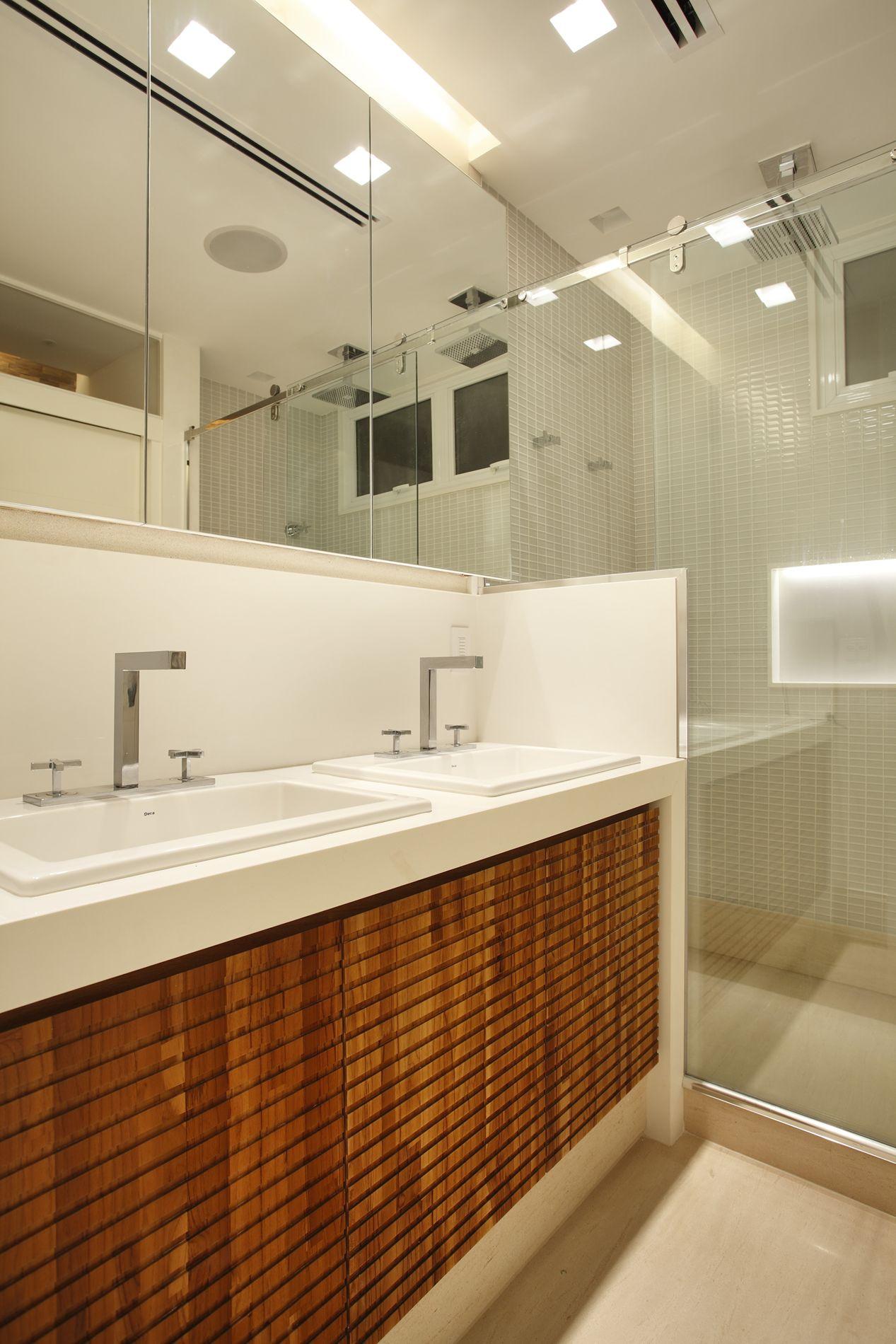 Projeto Arquitetura para Banheiros Apartamento no Leblon Rio de  #74380F 1267 1900