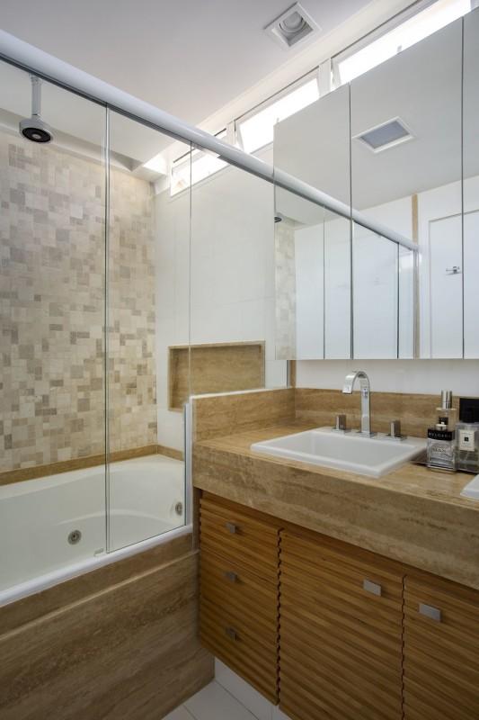 Projeto de Decoração e Arquitetura para Banheiros com Banheiras para Apartamento em Copacabana, Rio de Janeiro