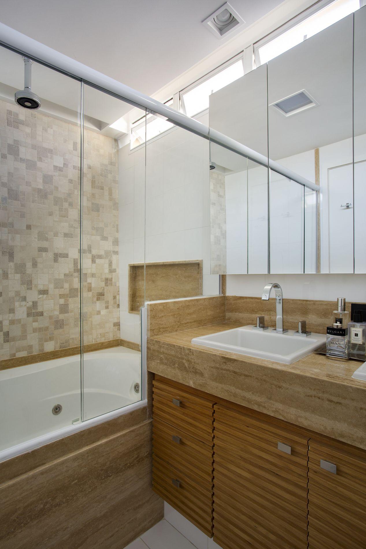 Projeto de Decoração e Arquitetura para Banheiros com Banheiras para  #49351B 1267 1900