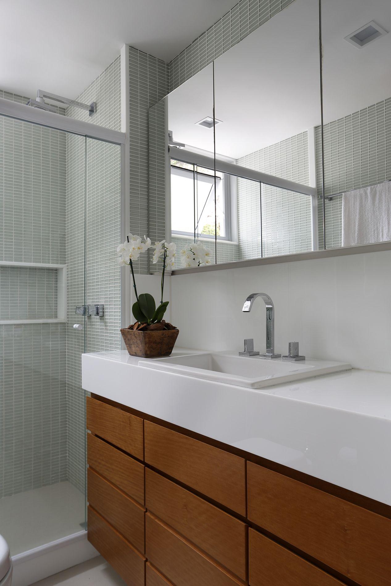 Projeto de Arquitetura e Decoração para Banheiros Pequenos em  #603718 1267 1900